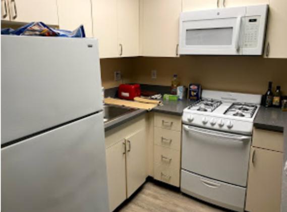 学生寮のキッチン